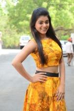 telugu-actress-yamini-bhaskar-stills-015