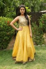 telugu-actress-yamini-bhaskar-stills-059
