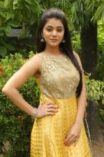 telugu-actress-yamini-bhaskar-stills-061