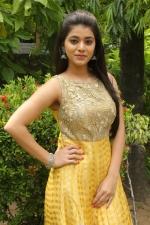 telugu-actress-yamini-bhaskar-stills-063