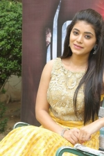 telugu-actress-yamini-bhaskar-stills-073