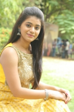 telugu-actress-yamini-bhaskar-stills-075