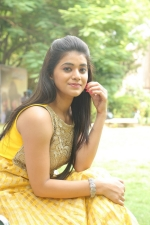 telugu-actress-yamini-bhaskar-stills-079