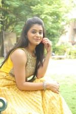 telugu-actress-yamini-bhaskar-stills-080
