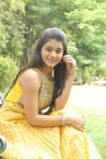 telugu-actress-yamini-bhaskar-stills-081