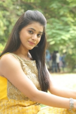 telugu-actress-yamini-bhaskar-stills-082
