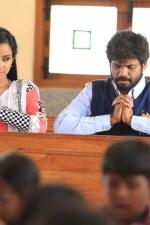 yendha-nerathilum-movie-stills-003