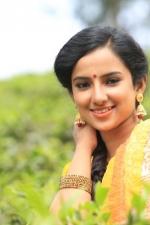 yendha-nerathilum-movie-stills-006