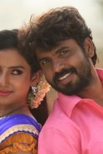 yendha-nerathilum-movie-stills-014