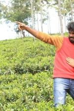 yendha-nerathilum-movie-stills-015