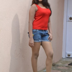 actress-lavanya-in-res-dress-stills-006