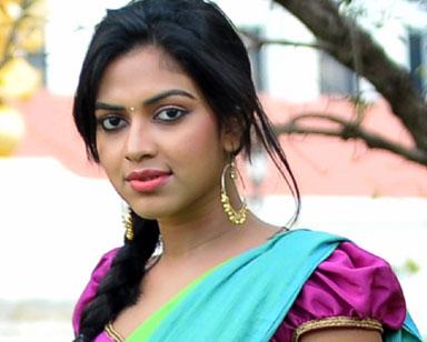 வயதான தோற்றத்தில் அமலா பால் நடிக்கும் 'கிட்னா'
