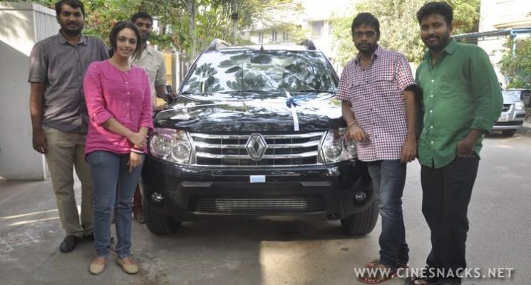 Renault Duster gifts to 'Cuckoo' Raja Murugan Stills