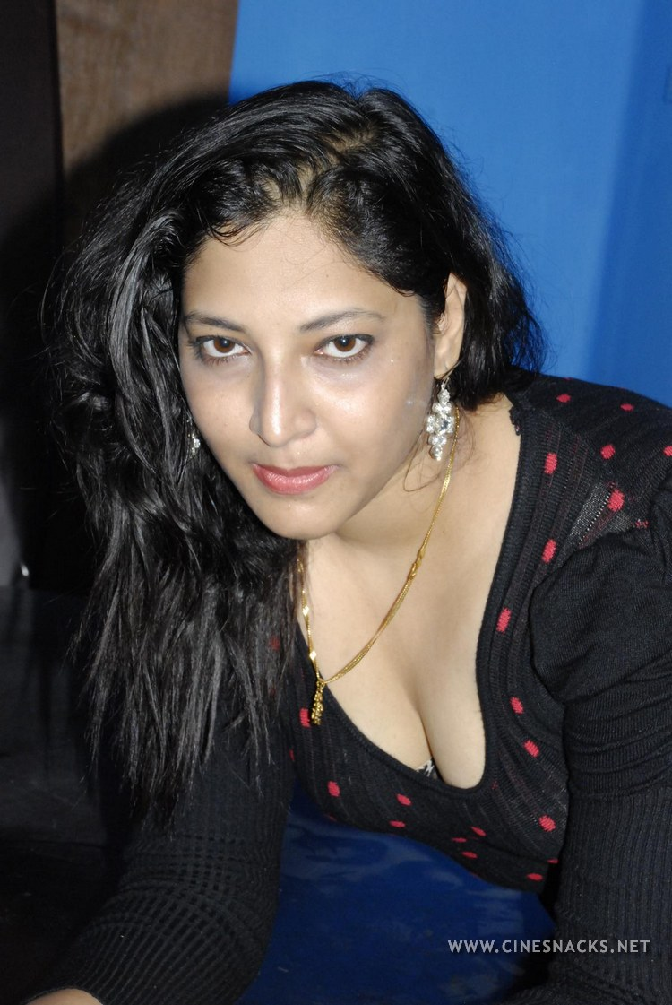 Actress Tharuna Hot Photos