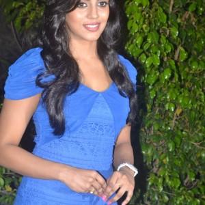 Naan Sigappu Manithan Press Meet Photos | Cinesnacks.net Naan Sigappu Manithan Lakshmi Menon Hot Stills
