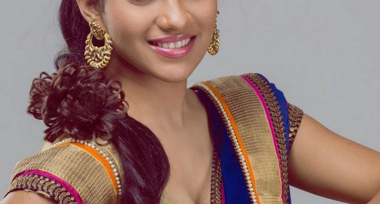 Actress Swasika Photos