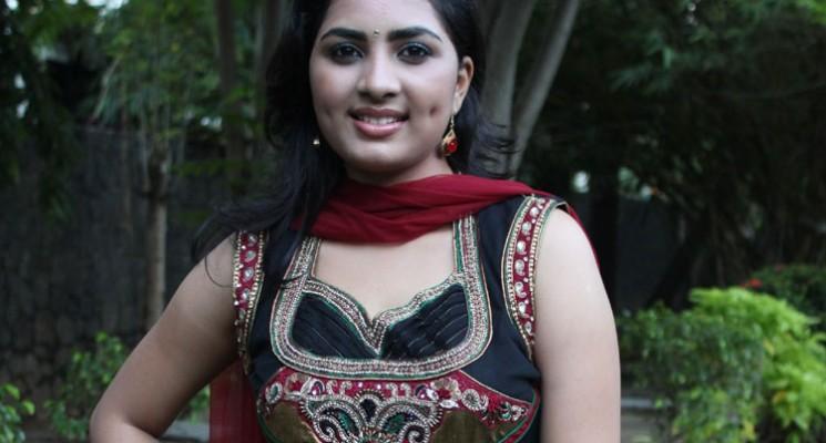 Actress Shrushti Photos