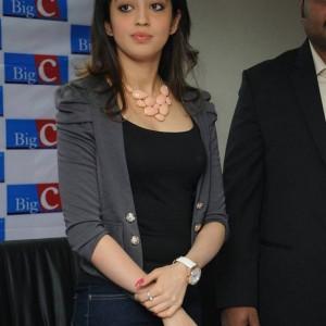 actress -pranith -photos-003