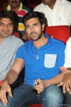 actor-ram-charan-stills-014