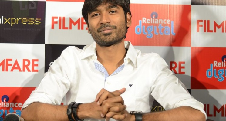 Dhanush at Filmfare Readers Meet at Chennai Stills