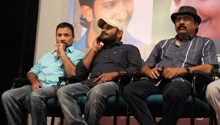 Oru Thozhan Oru Thozhi Movie Audio Launch