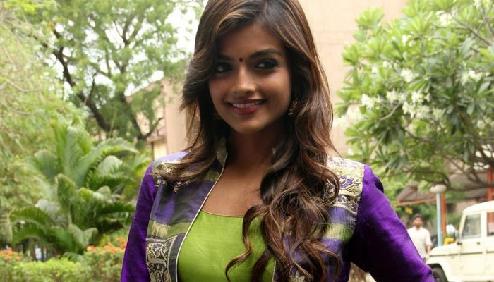 Ashna Zaveri Actress Photos