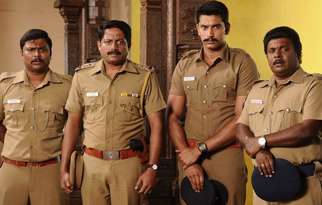 Naalu Policeum Nalla Irundha Oorum – Movie Review