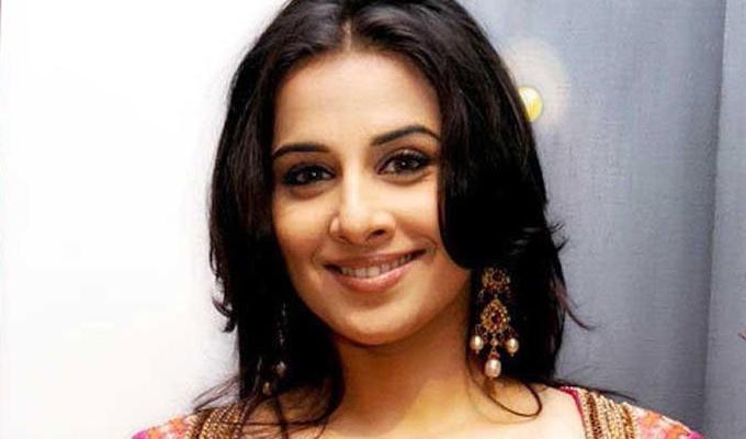 அக்கா மாதிரி இருப்பாரே.. அவரா ஜோடியா நடிக்கிறார்..? ; தனுஷின் டெரர் முடிவு..!