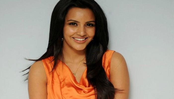 பீல்டு அவுட் ஆன நடிகையை பீல்டுக்குள் இழுக்கும் ஜி.வி.பிரகாஷ்..!