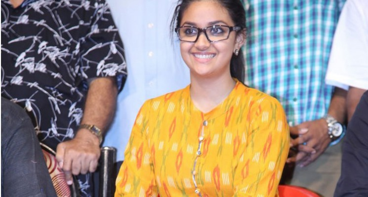 Keerthi Suresh at  YG Mahendran's Soppana Vazhvil Photos
