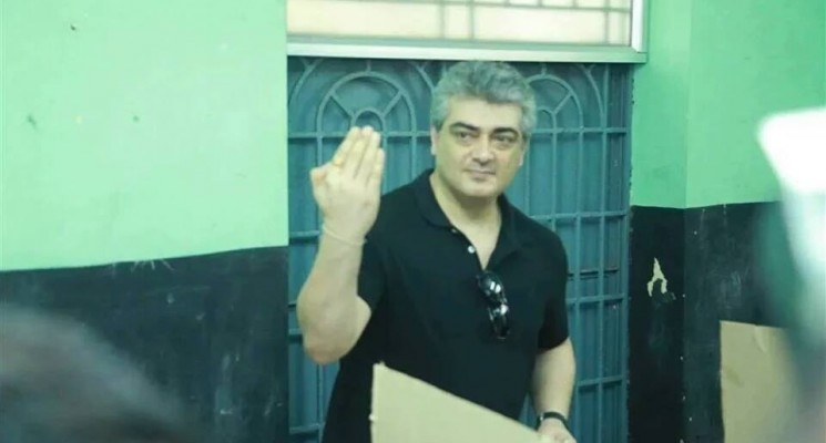 Kollywood Celebrities cast their Votes – Photos
