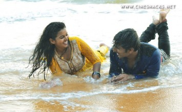 Natchatthira Jannalil Movie Stills