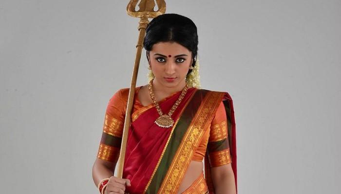 நயன்தாரா வழியில் பந்தா காட்ட தொடங்கிய த்ரிஷா..!