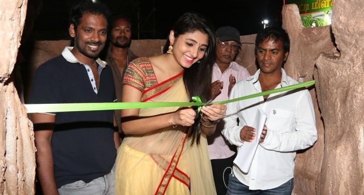 சென்னையில் நடிகை அதீதி மேனன் துவக்கிவைத்த இந்திய சுற்றுலா பொருட்காட்சி 2017!