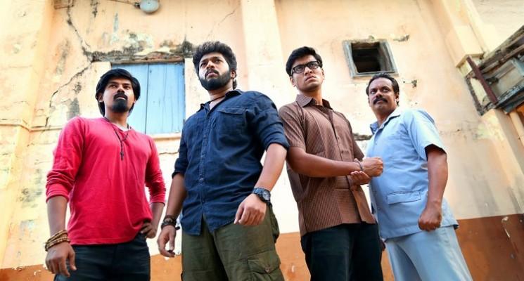 Naalu Peruku Nalladhuna Edhuvum Thappilla Movie Stills