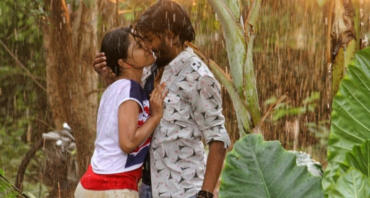 Theru Naaigal Movie Stills
