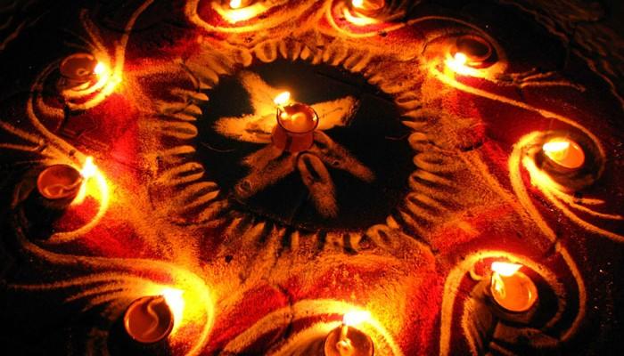 மங்களங்களை தந்து வாழ்வை பிரகாசிக்கச் செய்யும் கார்த்திகை தீப விழா!