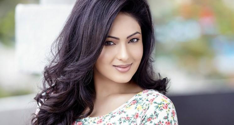 மகிழ்ச்சியில் நடிகை நிகிஷா பட்டேல்..!