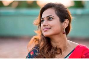 நெகட்டிவ் கமெண்ட்களை பற்றி கவலை இல்லை – நடிகை ரம்யா பாண்டியன்