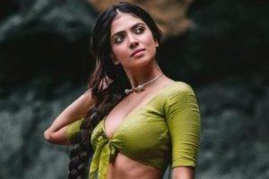 மப்பும் மந்தராமுமாக மயங்க வைக்கும் மாஸ்டர் நடிகை