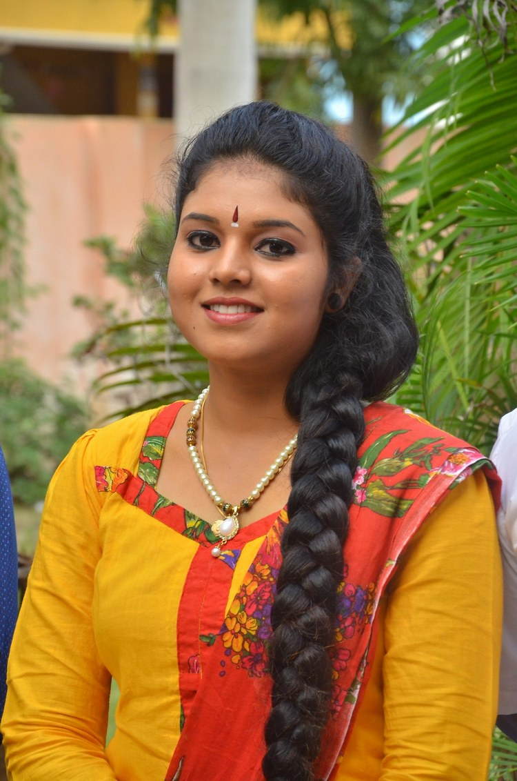 actress-anu-krishna-stills-002