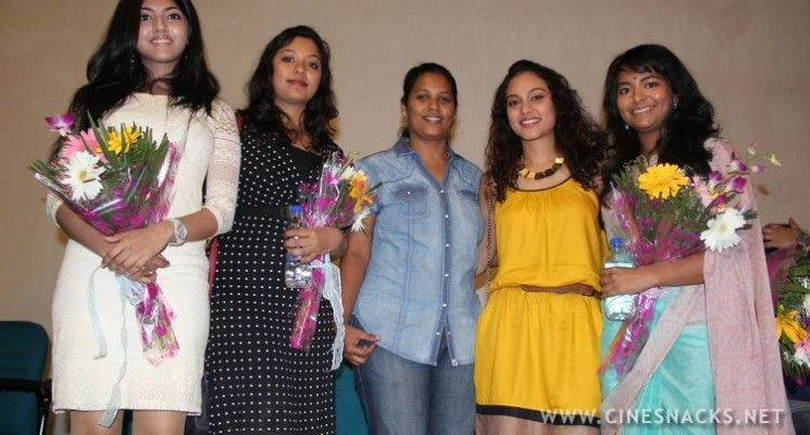 Yaamirukka Bayamey Press Meet Photos